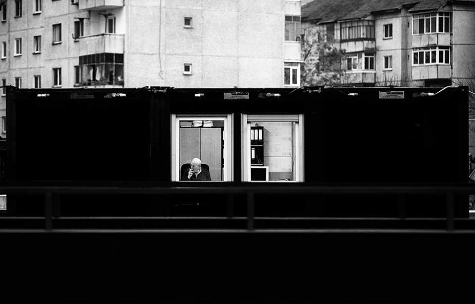 Julien Oncete. Fotograful dramei cotidiene ȋn alb şi negru.